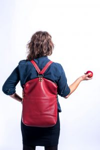 kurier-ellis-as-backpack