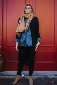 "Laura Tarantino - ""My style is all about comfort and using the pieces I have in different ways,"" says Laura, who's a clear fan of denim, black and tan, colors that can easily be mixed and matched."